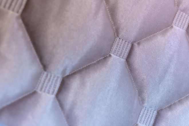 Quilting rhombus pattern with extra stitching