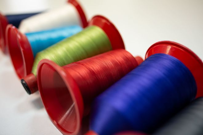 Professional quilting threads